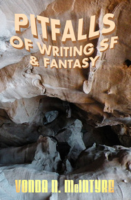 Pitfalls_of_writing_fantasy_cover_final